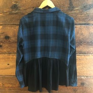 Beachlunchlounge | Plaid Blouse Back Button Down